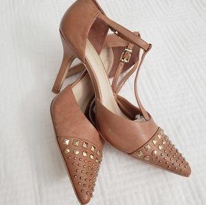 BCBGeneration, Dallye-X tan heels